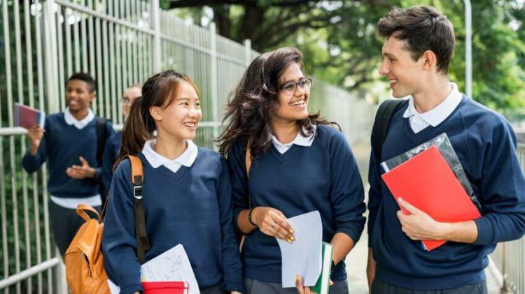 تحصیل در دبیرستان های انگلستان