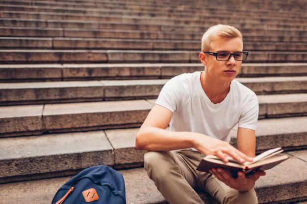 سن لازم برای تحصیل در مقطع دبیرستان