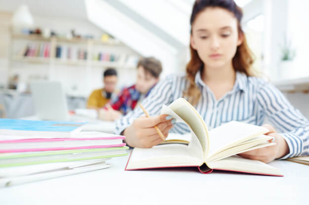 تحصیل با مدرک دیپلم در آمریکا