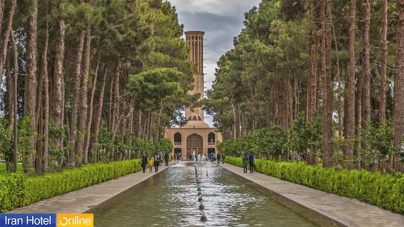 نمای سبز باغ دولت آباد یزد