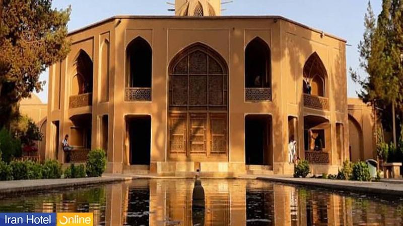 نمای نزدیک از بادگیر باغ دولت آباد